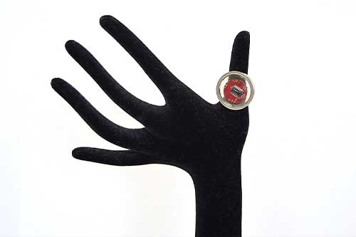 Ring in rot