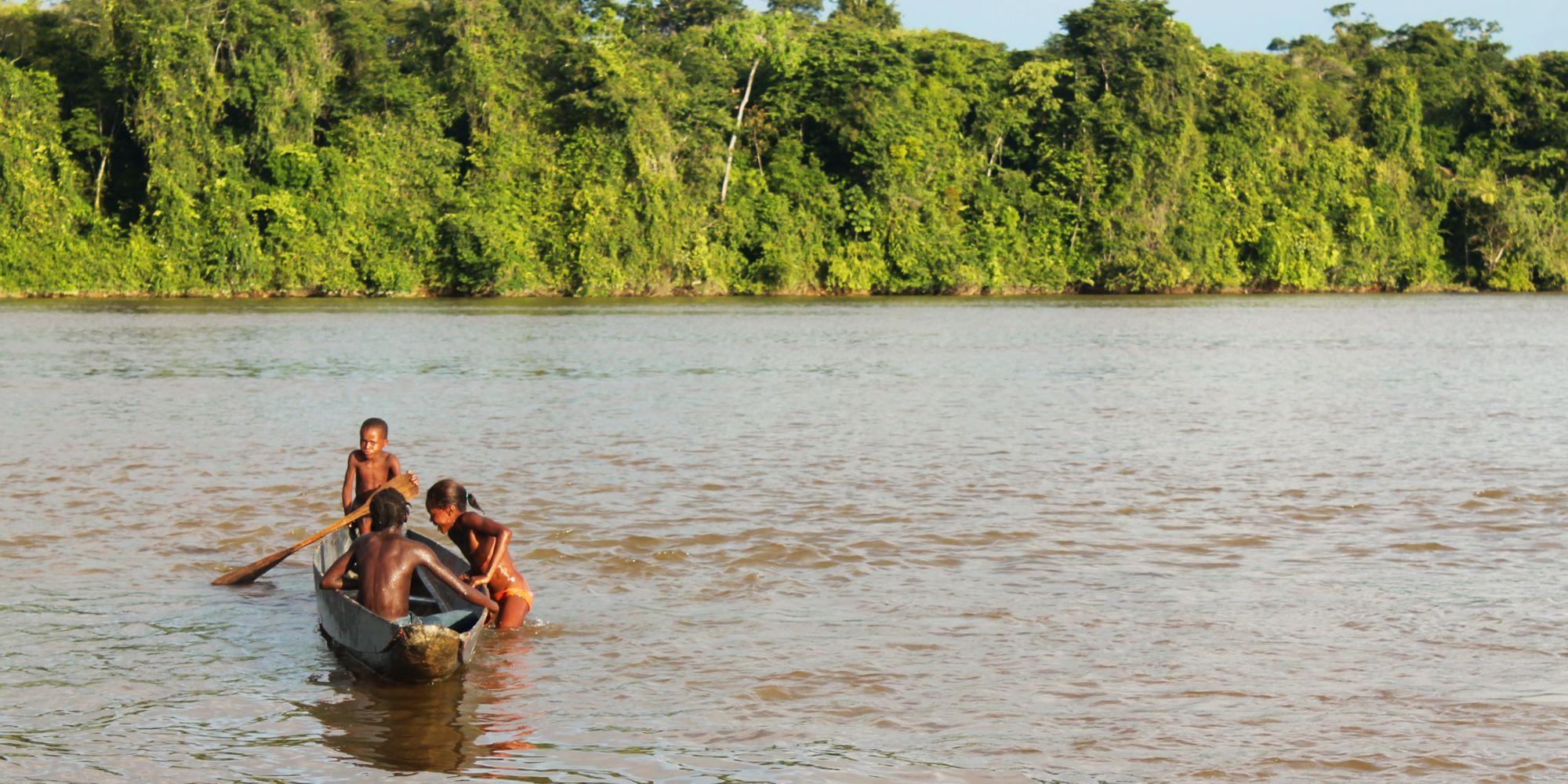 Résultats de recherche d'images pour «canoe maroni»