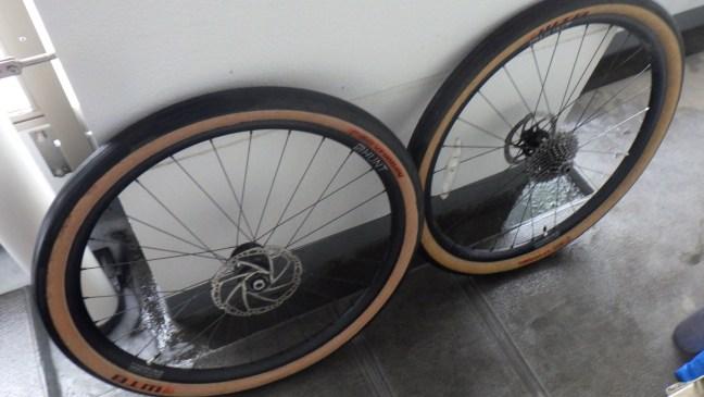 Clean bike wheels