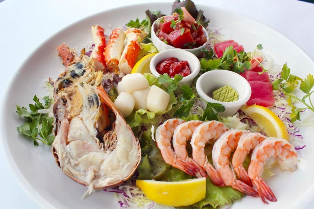 シーフードの津波(Chilled Seafood Tsunami) $99.95 シーグリルの新メニュー