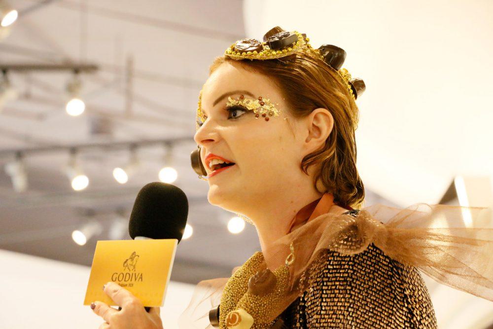 ファッションデザイナー Anne-Sophie Cochevelou GODIVAのゴールドディスカバリーイベント(Tギャラリアグアム)