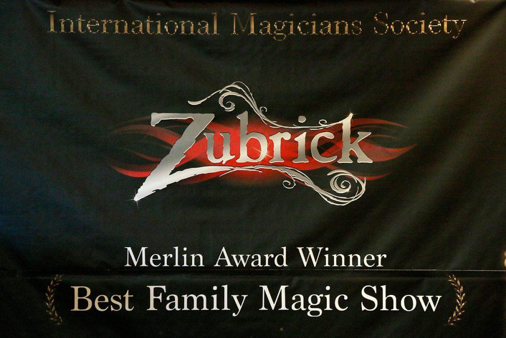 サンドキャッスルのマジシャン、Chris & Ryan Zubrickが、Merlin賞を受賞 (サンドキャッスル)