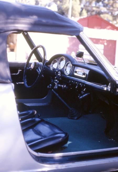 Giulietta Spider interior sml