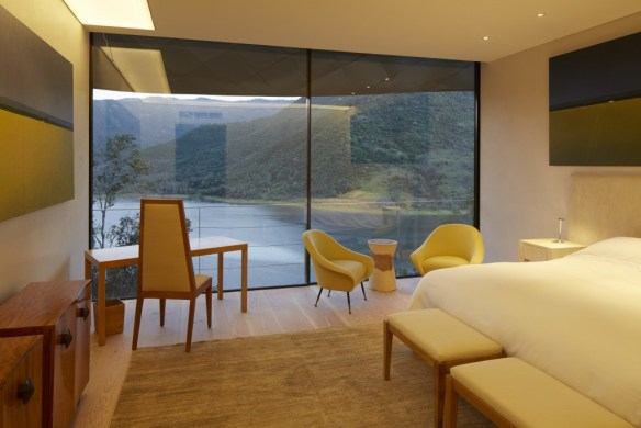 Minimalist Suite-0390