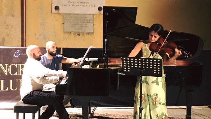 PISCIOTTA - Successo straordinario del Duo Cammarano Deljavan ai Concerti del lunedì - Gwendalina.tv