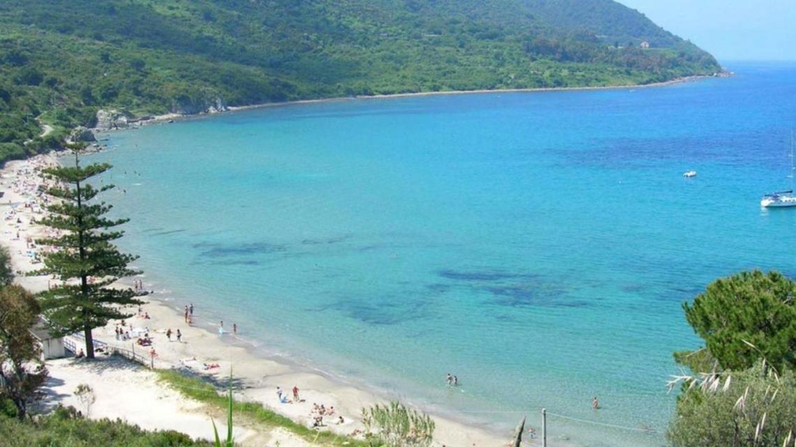 """""""La spiagge libere non si toccano"""", il messaggio del M5S Agropoli - Gwendalina.tv"""