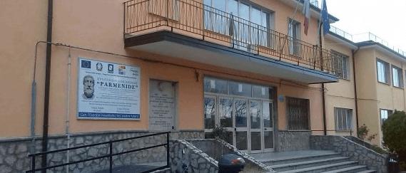 Liceo Parmenide, chiusura anno scolastico all'insegna della cultura - Gwendalina.tv