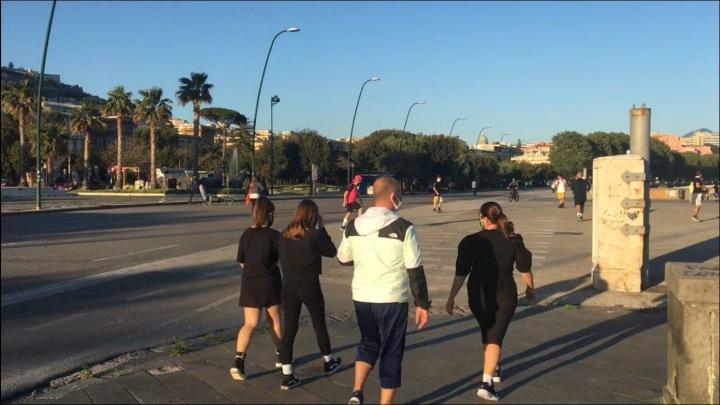 Dietrofront De Luca: stop a jogging, consentite solo passeggiate - Gwendalina.tv