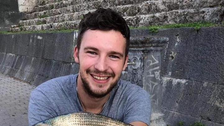 Sbanda in moto e finisce contro un palo, muore 30enne nel Salernitano - Gwendalina.tv