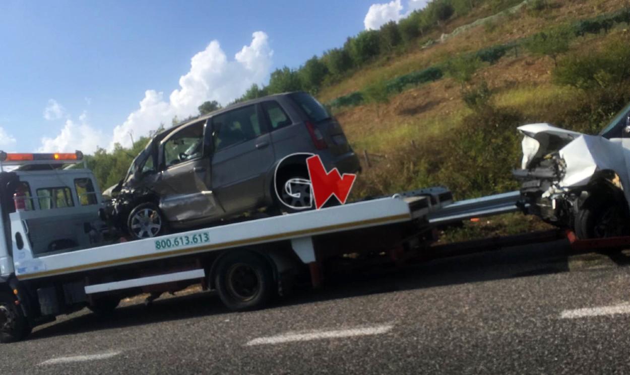Incidente Casal Velino, cinque persone ferite - Gwendalina.tv