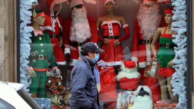 Natale, stop a feste in piazza e mobilità - Gwendalina.tv