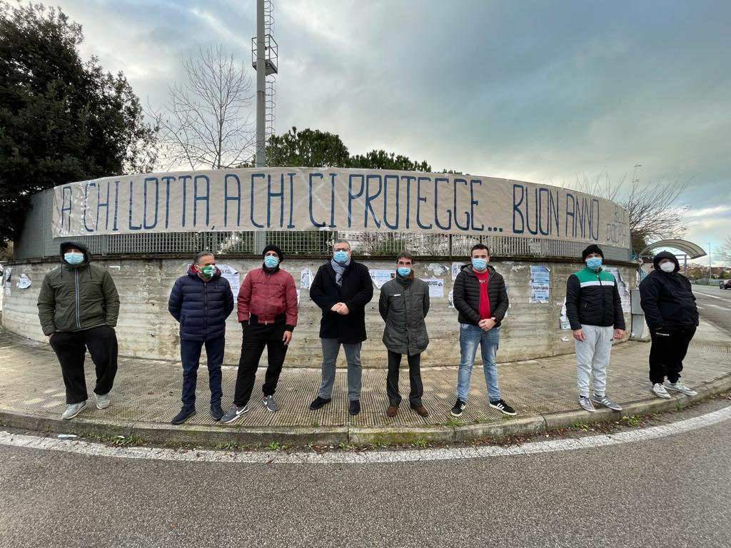 Lo straordinario cuore degli Ultras dell'Agropoli - Gwendalina.tv