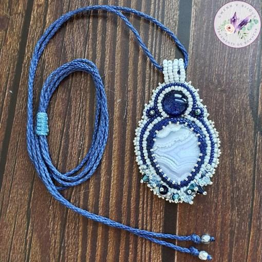 collier céleste en agate blue lace