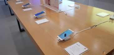 Jajaran display Smartphone Xiaomi lainnya.