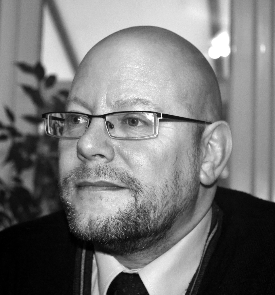 GWL signs new author, Mark Weir