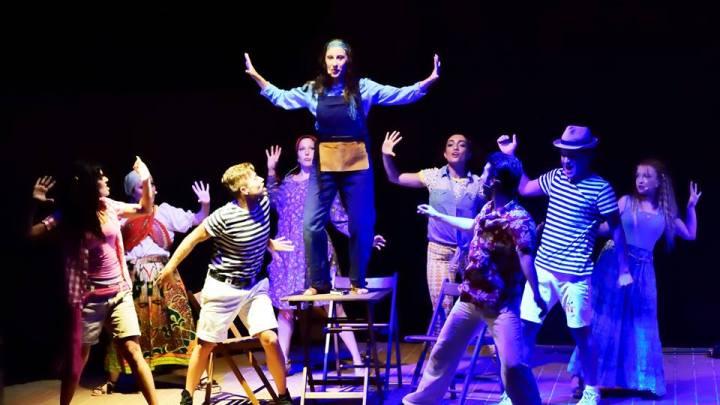 """La V edizione di """"Ambienti Mediterranei"""" chiude con due spettacoli teatrali.  Stasera in scena """"Sogno di una notte d'estate"""" e domani """"Mamma mia… domani mi sposo"""""""