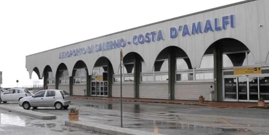 Federalberghi, alta tensione per l'aeroporto di Salerno
