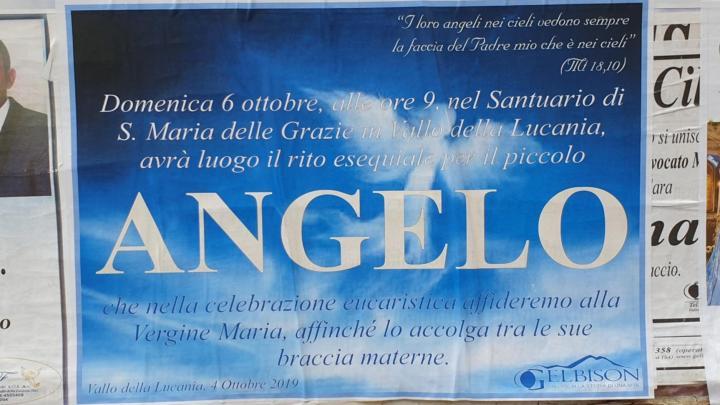 L'ultimo saluto di Angelo, in chiesa Domenica