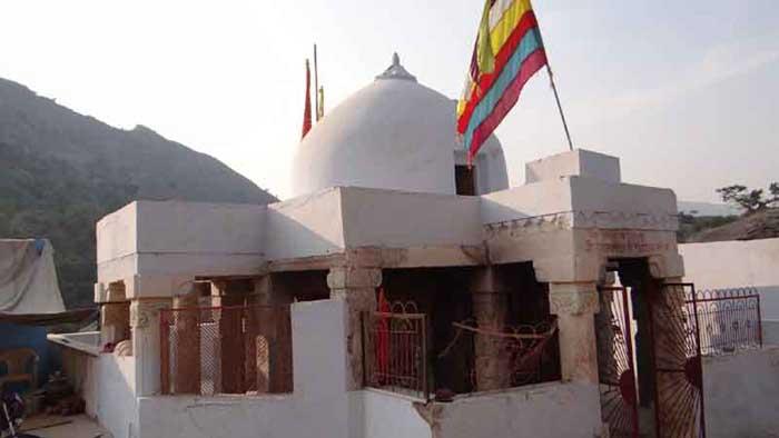 अजमेर के संस्थापक चौहान राजा अजयपाल का मंदिर