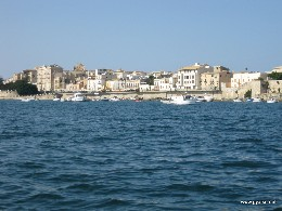 Photo: Siracusa, Italy harbor. Credit: Lisa Borre.