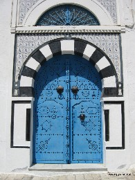 Photo: Blue door of Tunisia. Credit: Lisa Borre.