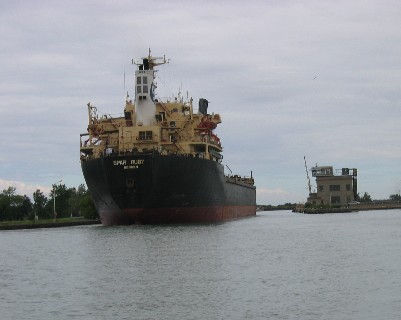 Photo: Freighter Spar Ruby enters a lock chamber as we depart. Credit: L. Borre.