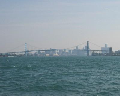 Photo: Ambassador Bridge over the Detroit River. Credit: L. Borre.