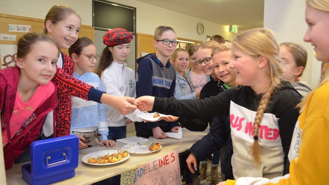 Schüler des Gymnasiums haben am Mittwoch den deutsch-französischen Tag gefeiert. Foto: Thomas Deeken