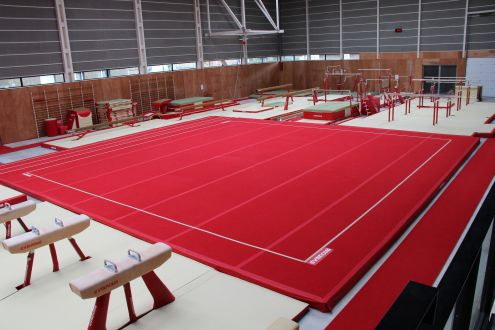 GLASGOW COMPETITION SPRING EXERCISE FLOOR WITH ROLLUP