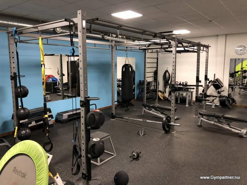 Försäljning av kompletta-begagnade Gym+Löpband, Crosstrainer, Motionscykel
