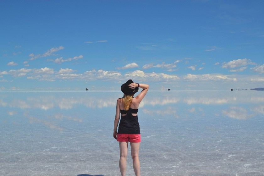 2-salar-de-uyuni-flooded-wet-season-woman-hat