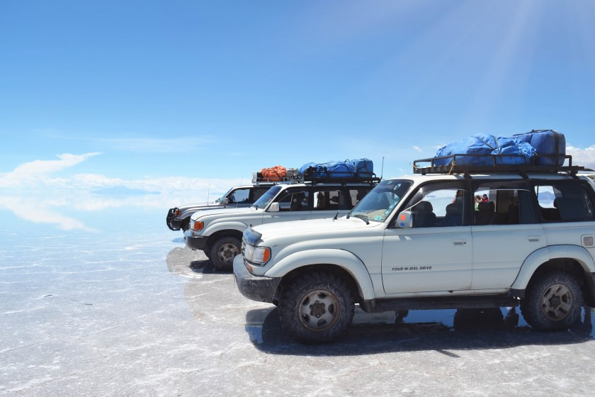 5-salar-de-uyuni-bolivia-flooded-water-reflection-stunning-jeeps-sky-4