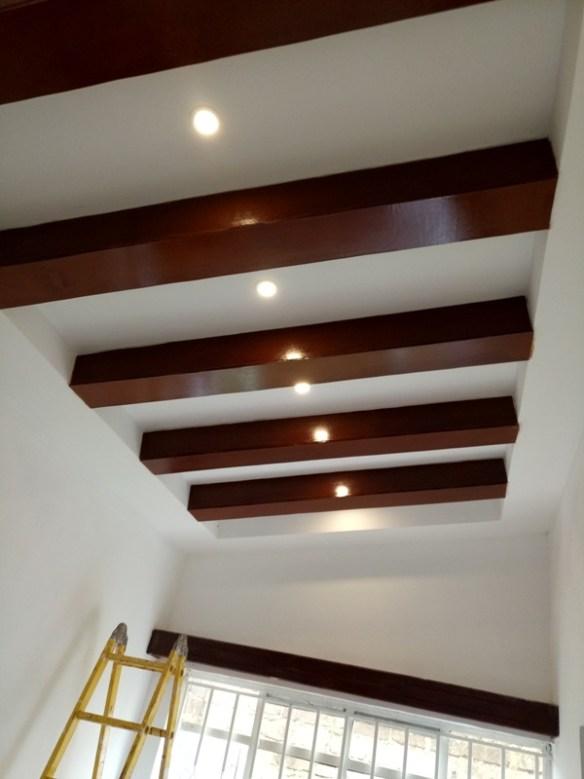 Gypsum ceiling Kenya - Dining with wood