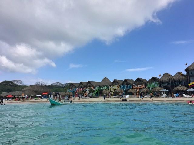 hostels on playa blanca isla baru