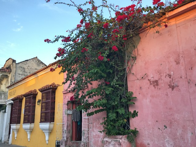 colorful building in getsemani