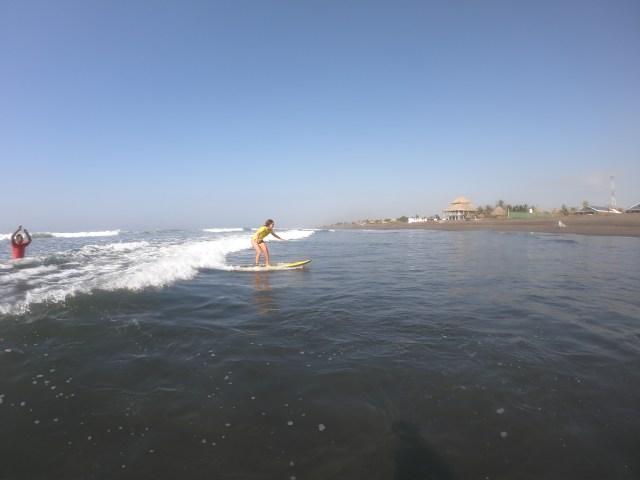 surfing in paredon guatemala