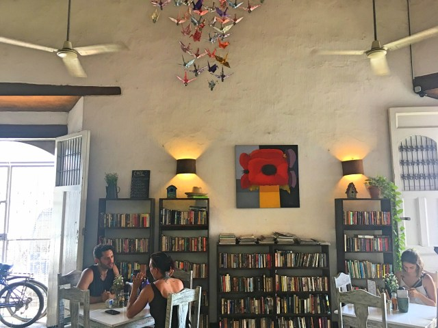 library cafe in granada