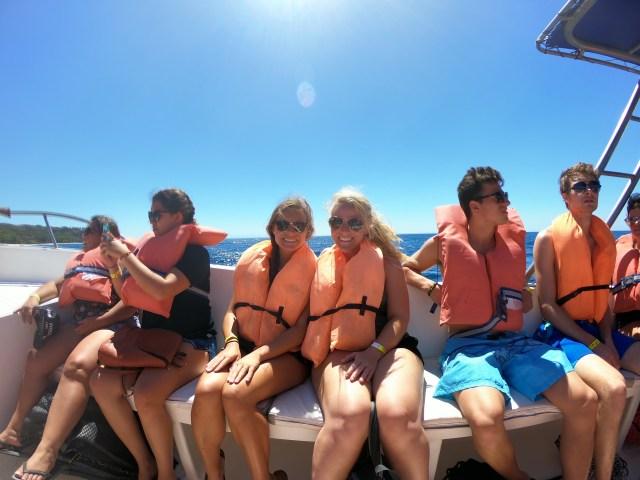 boat to tortuga island