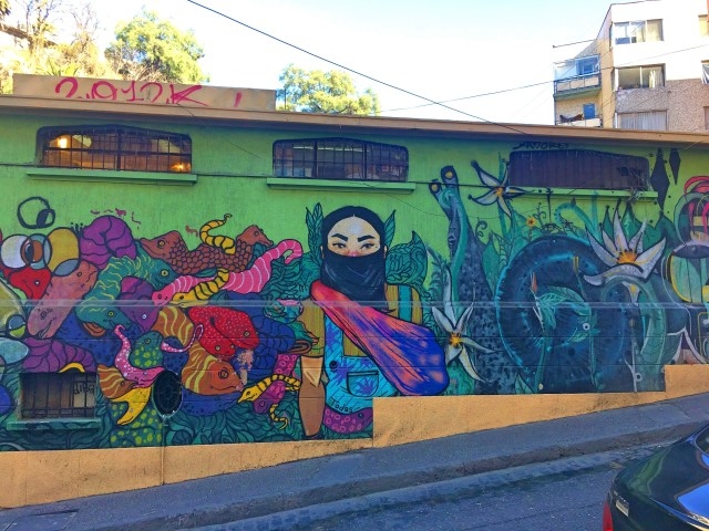 street art in valparaiso chile