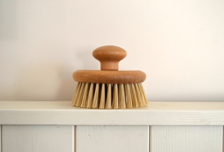 zero waste beauty - Body brushing