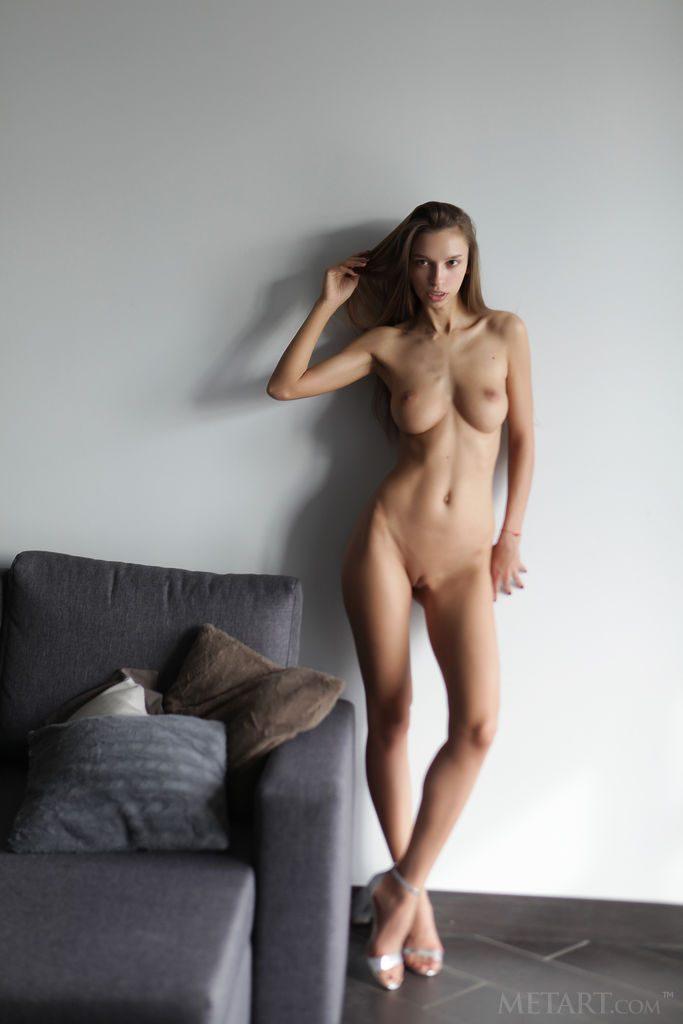 Elin Hot Naked Newcomer