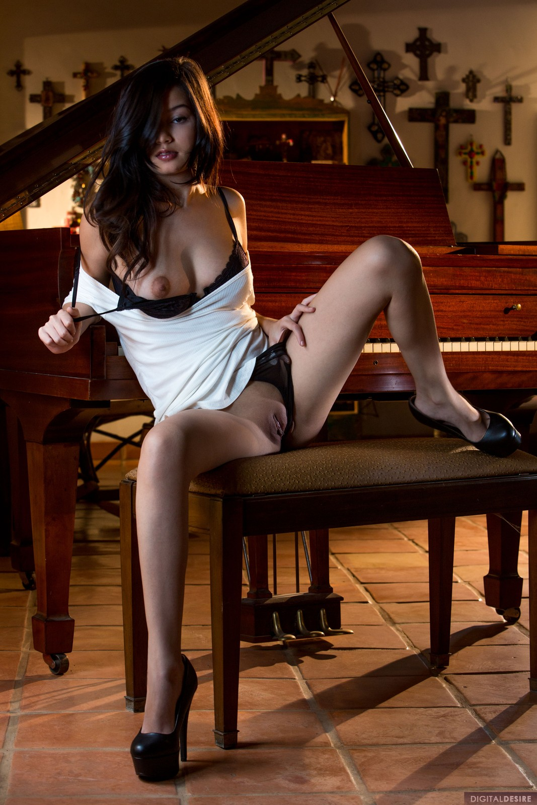 Eden Arya by the Piano