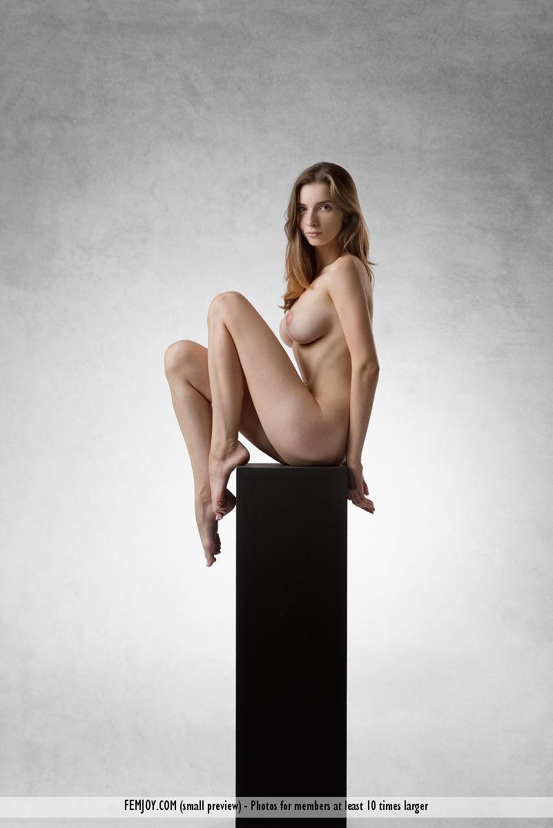 Mariposa Nude Goddess