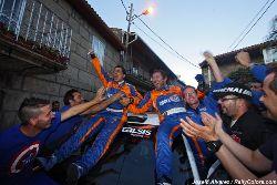 Luis Vilariño y Moncho López en la llegada del último tramo del Rallye Ribeira Sacra
