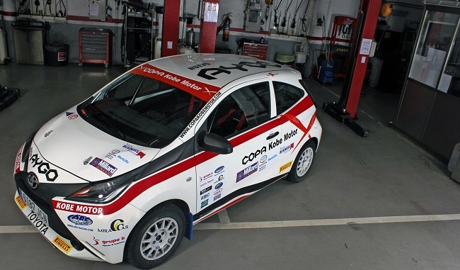 Tollota Aygo VI Rallye Comunidad Madrid
