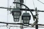 まなびや通りを照らす三つの街灯