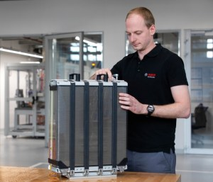 PowerCell and Bosch are working together on the production of FC stacks for mobile applications.