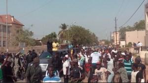 Direct: Ousmane Sonko dans les rues de Ziguinchor