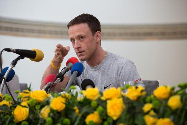 La vraie compétition est là: l'enfumage en conférence de presse. photo StudioCanal