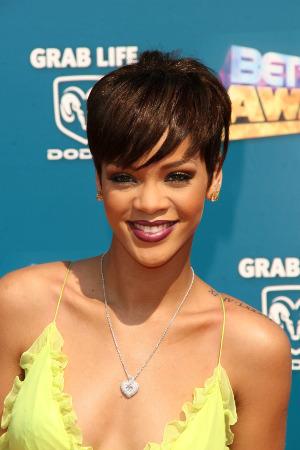 Rihanna Ihre Frisuren Haarblog De